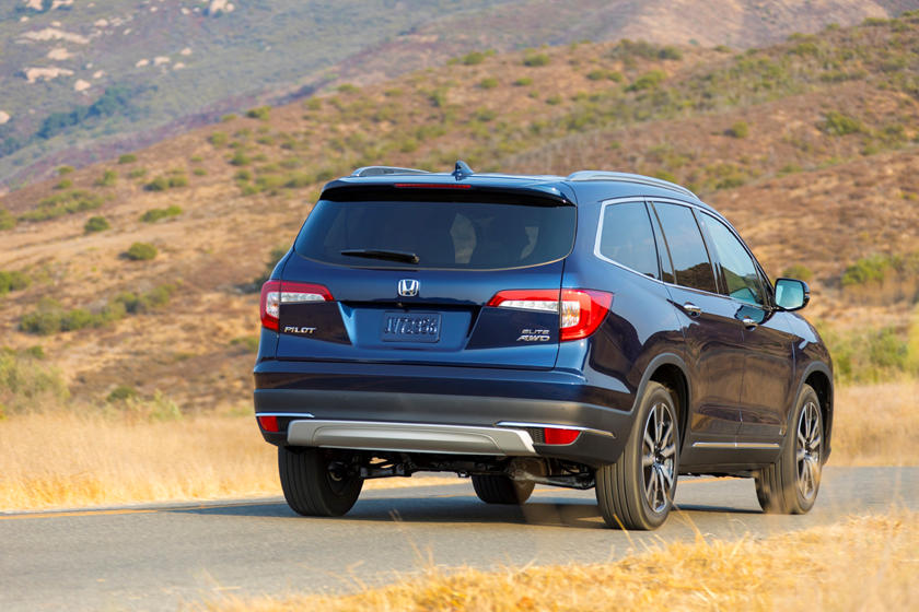 2020 Honda Pilot SUV Rear view