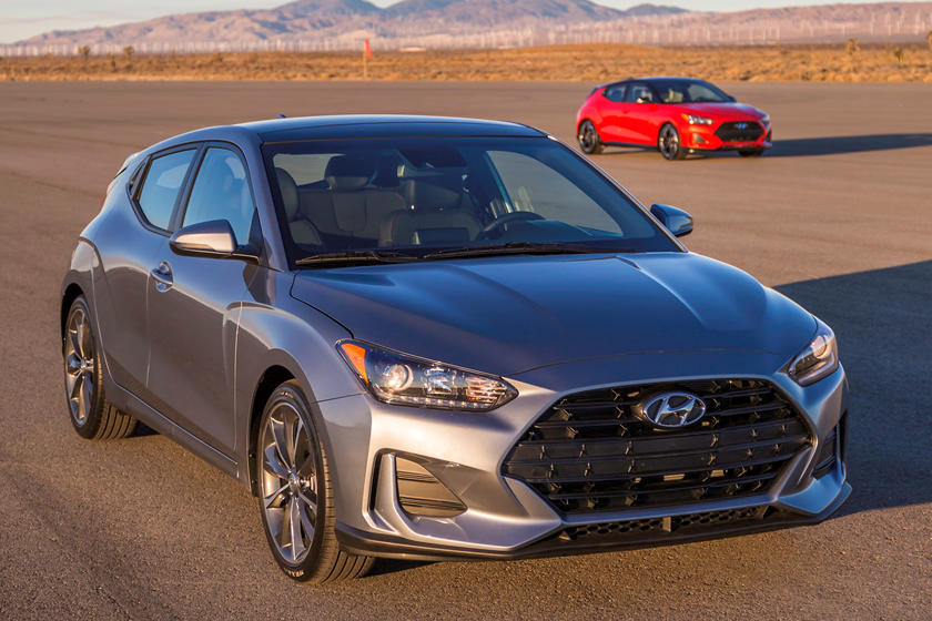 2021 Hyundai Veloster front view
