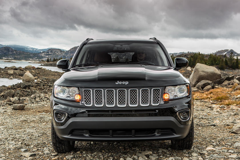 2016 Jeep Compass SUV Front View