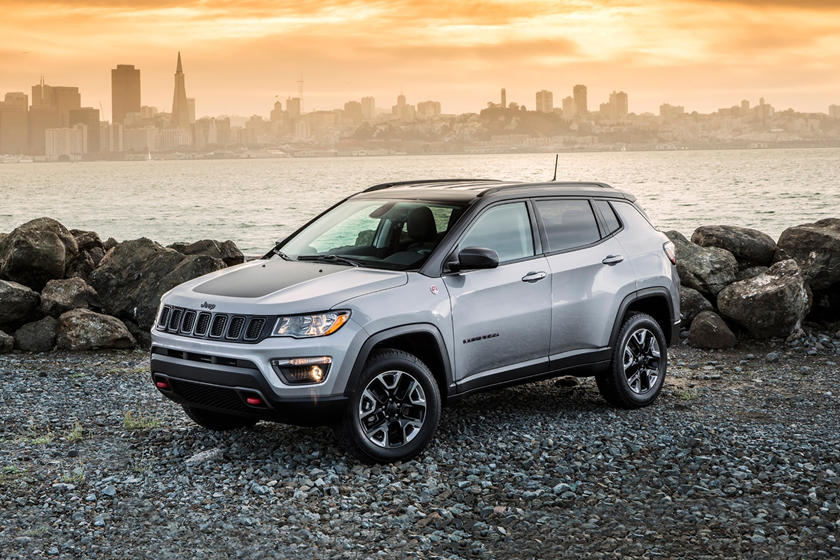 2020 Jeep Compass SUV Front Seats
