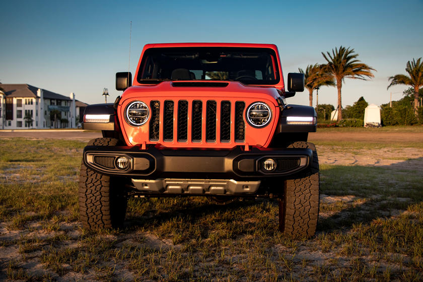 2021 Jeep Gladiator Crew Cab front view