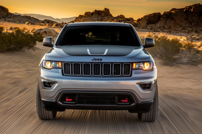 2019 Jeep grand cherokee suv front view