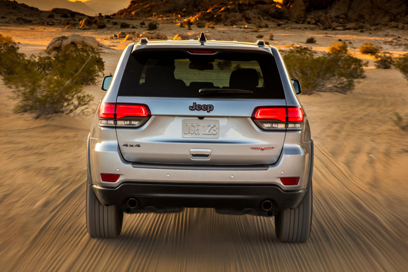 2019 Jeep grand cherokee suv rear view