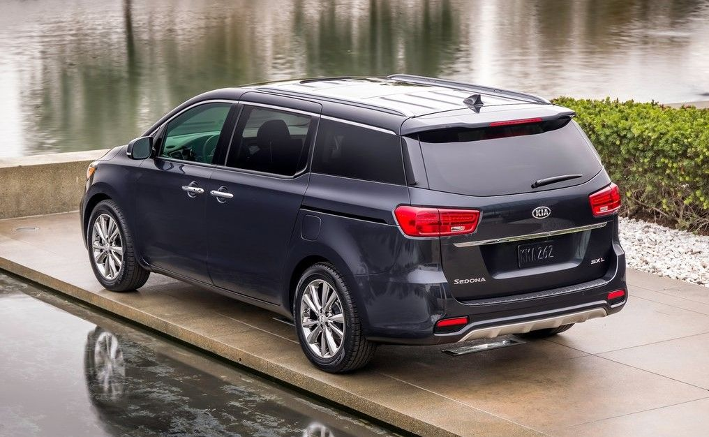 2020 Kia Sedona Angular Rear View