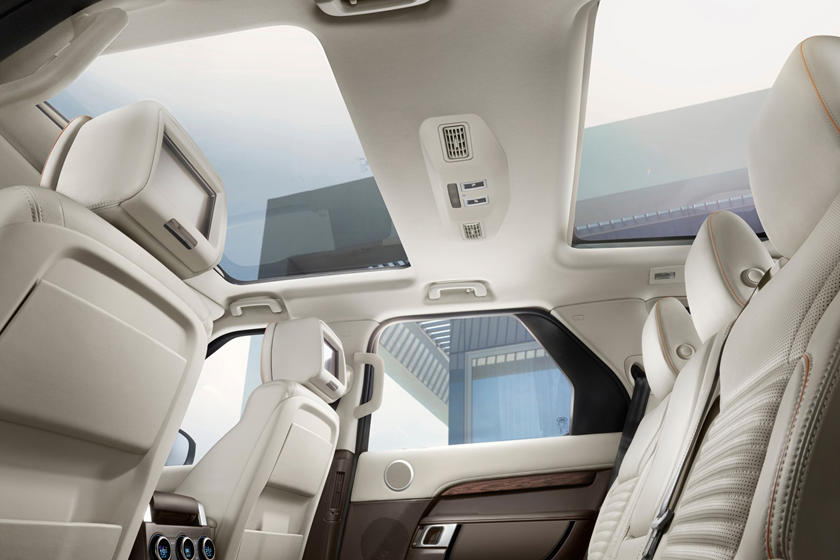 2020 Land Rover Discovery SUV Interior