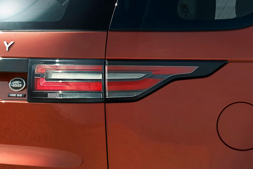 2020 Land Rover Discovery SUV Rear Light