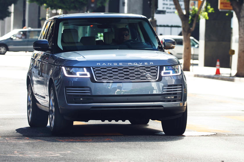 2020 Land Rover Range Rover plug-in-hybrid SUV front view