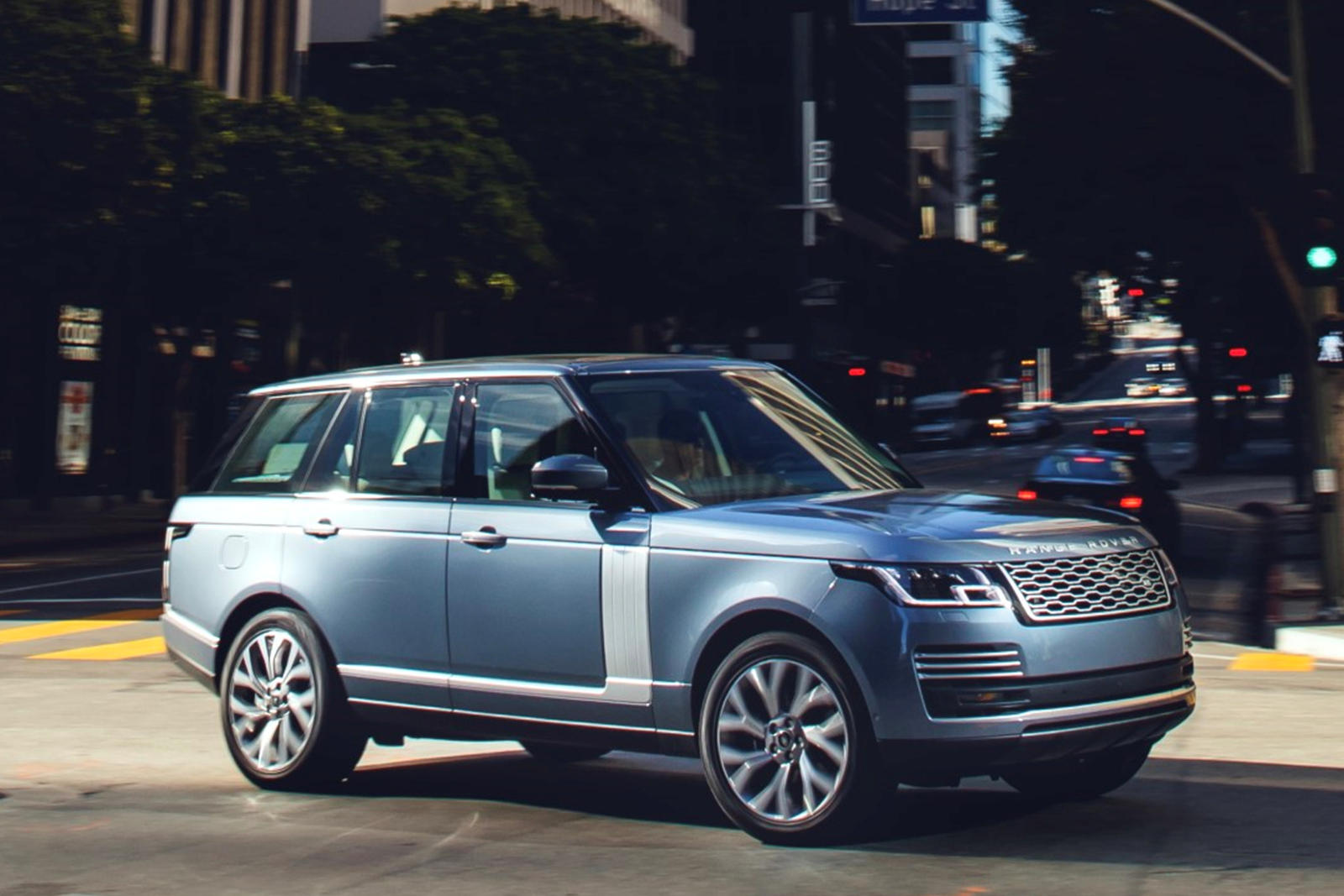 2021 Land Rover Range Rover plug-in-hybrid SUV front third quarter view
