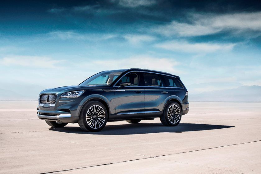 2020 Lincoln Aviator SUV Side View