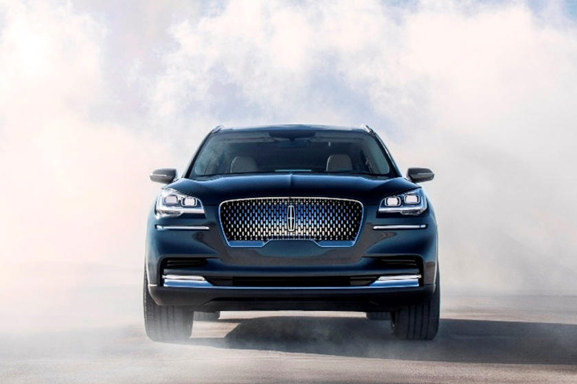 2021 Lincoln Aviator SUV Front View