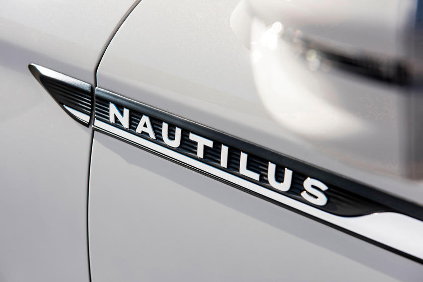 2020 Lincoln Nautilus SUV Interior