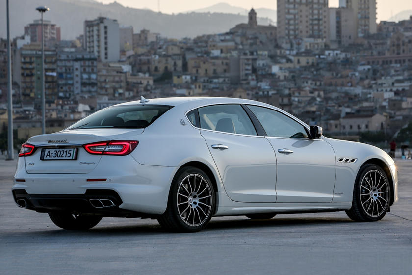 2020 Maserati Quattroporte GTS Sedan Rear View