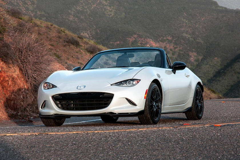 2020 Mazda MX-5 Miata Convertible Front View