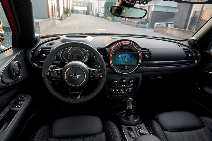 2020 Mini Clubman  infotainment screen
