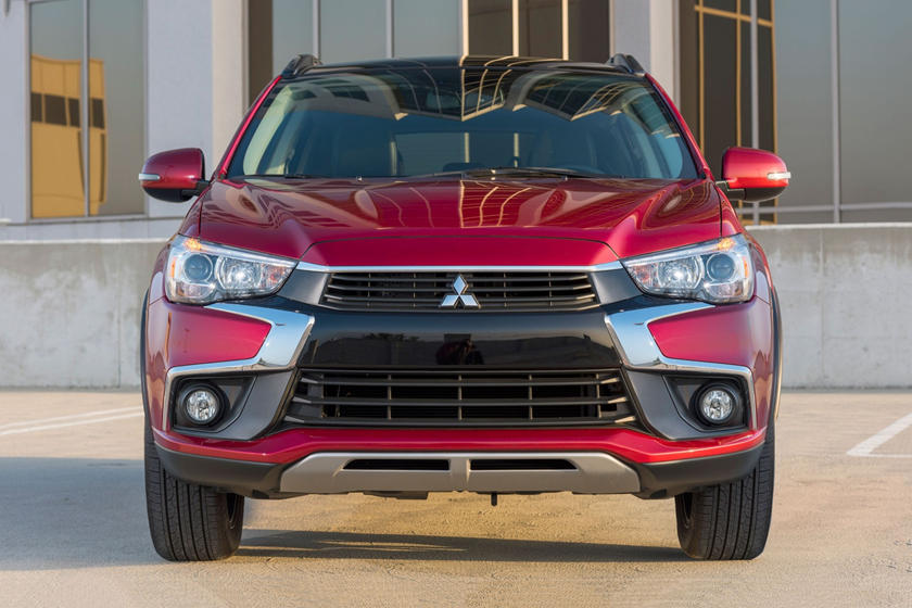 2020 Mitsubishi Outlander Sport SUV Front View