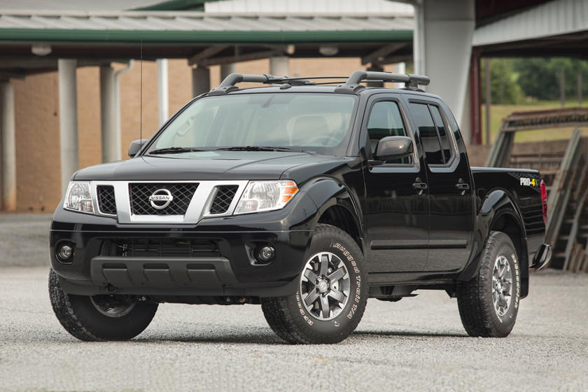 2018 Nissan Frontier King Cab Front Angle View