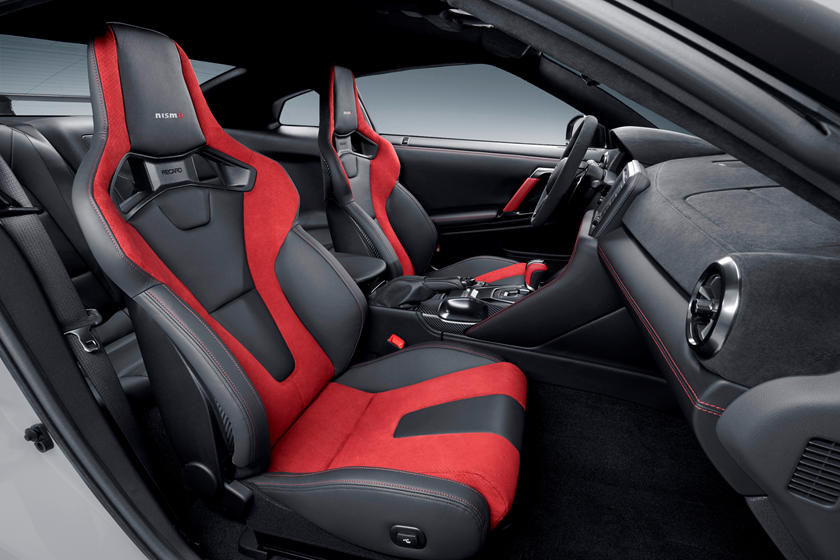 2020 Nissan GT-R NISMO Coupe Front seats