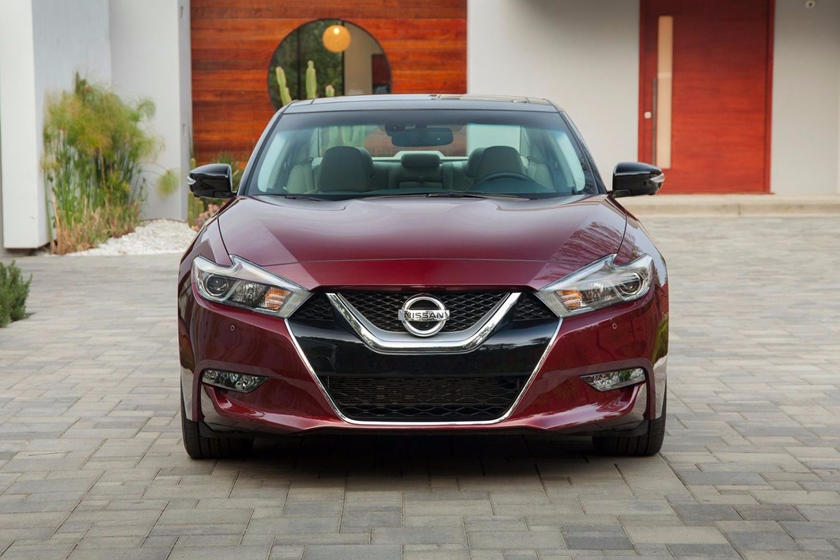 2018 Nissan Maxima front view
