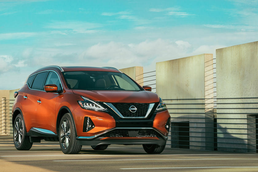 2021 Nissan Murano front third quarter view
