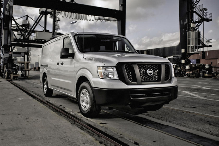 2021 Nissan NV3500 front view