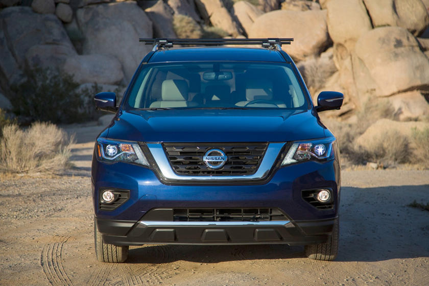 2020 Nissan Pathfinder SUV Front View