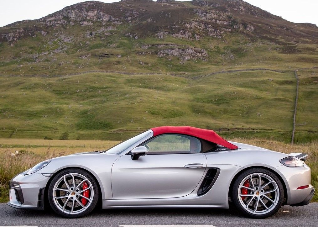 2020 Porsche 718 Spyder rooftop covered