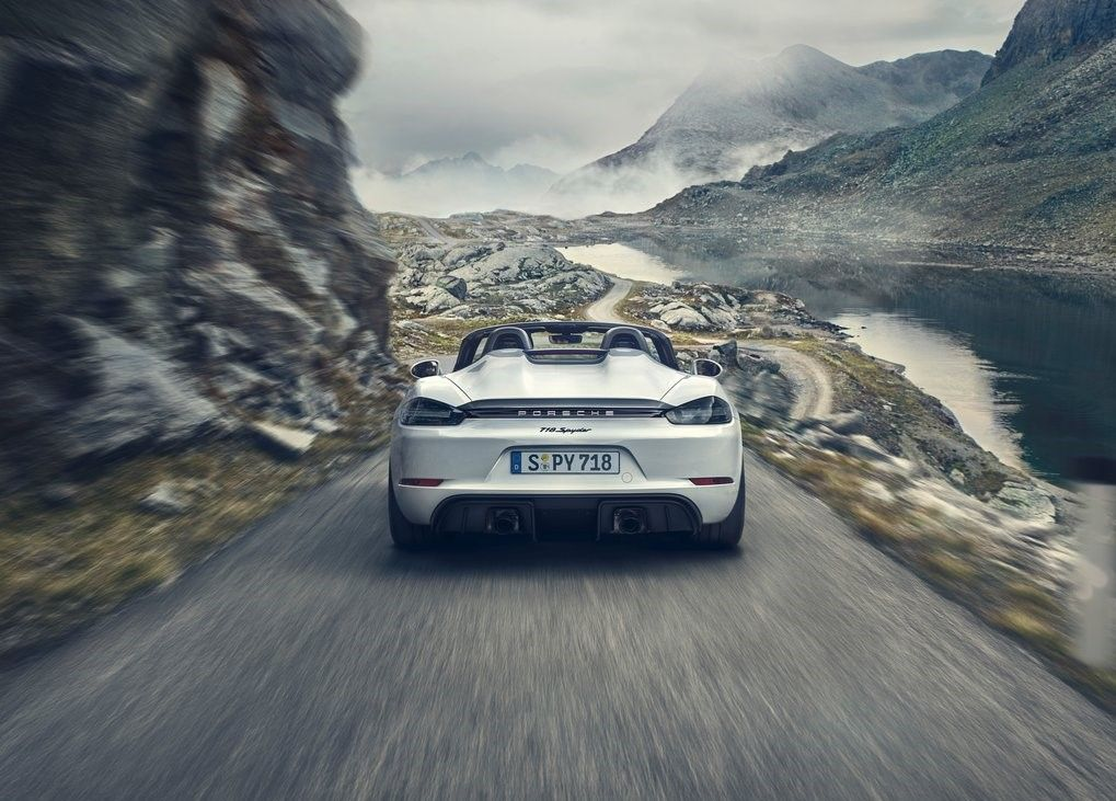 2020 Porsche 718 Spyder rear angle view