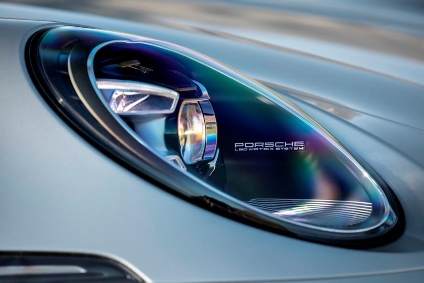 2020 Porsche 911 Carrera S Coupe Headlight