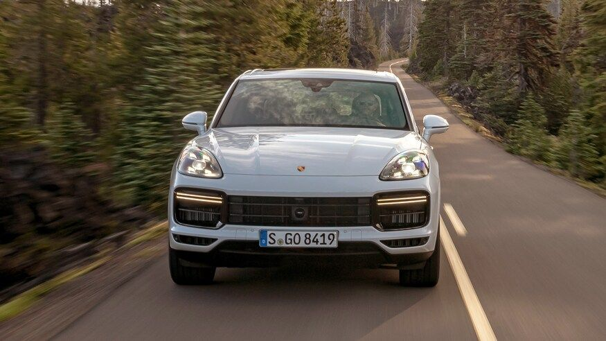 2021 Porsche cayenne coupe turbo suv front view