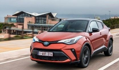 2020 Toyota C-HR SUV Front View