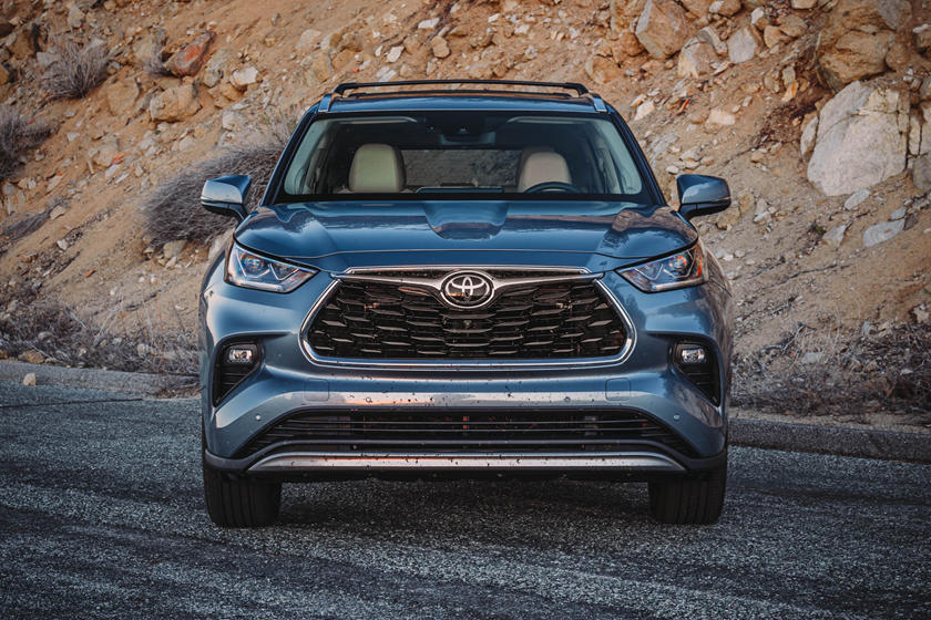 2021 Toyota Highlander SUV front view