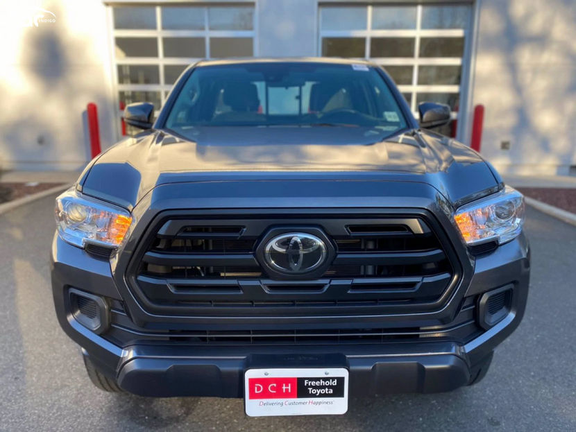 2017 Toyota Tacoma Access Cab Front View