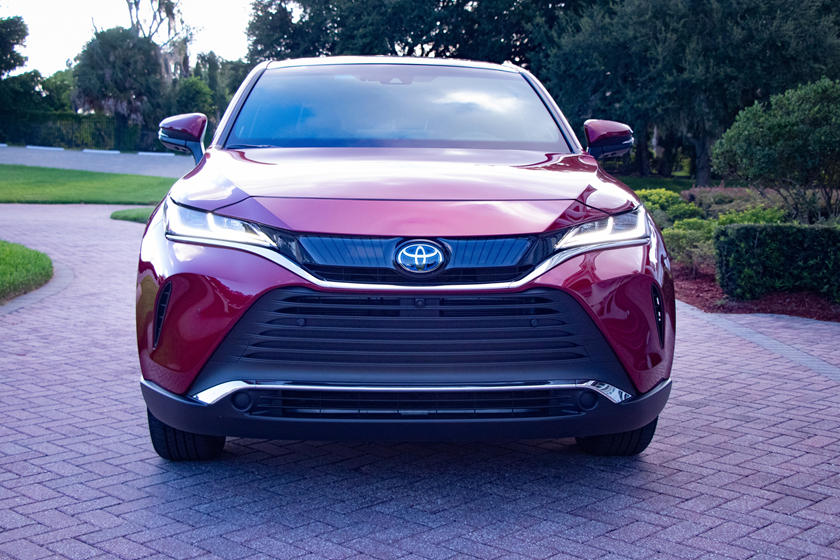 2021 Toyota venza hybrid suv front view
