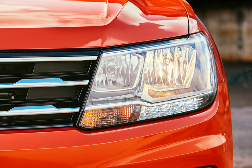 2020 Volkswagen Tiguan headlight