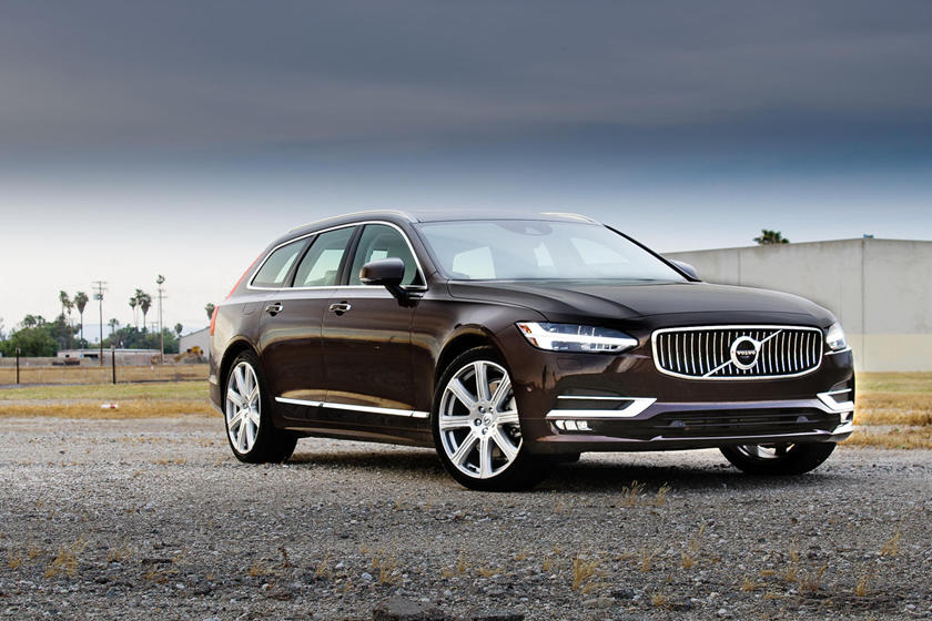 2020 Volvo V90 Wagon Front View