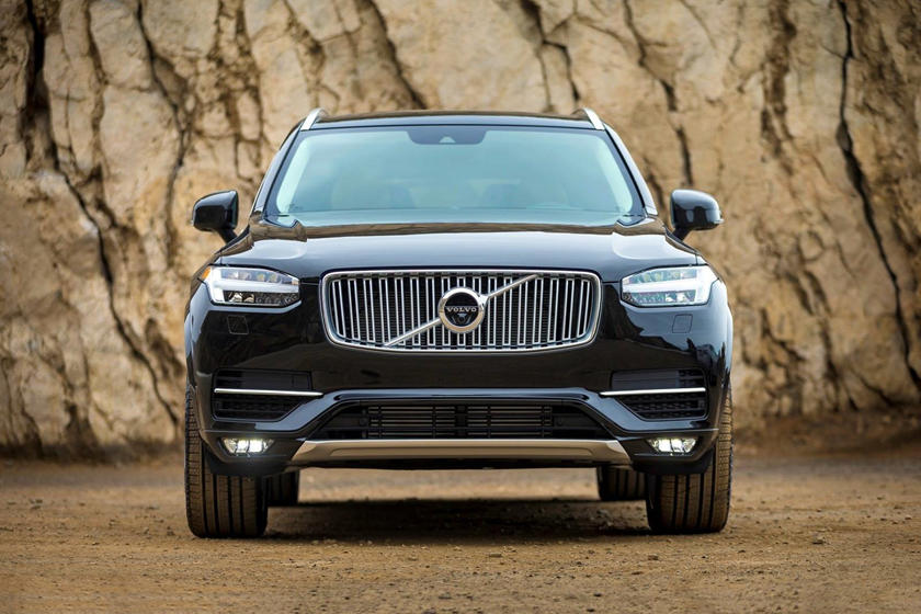 2021 Volvo XC90 Front View