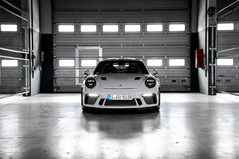 2021 Porsche 911 Gt3 Rs Review Performance Acceleration Features And Rivals Comparison