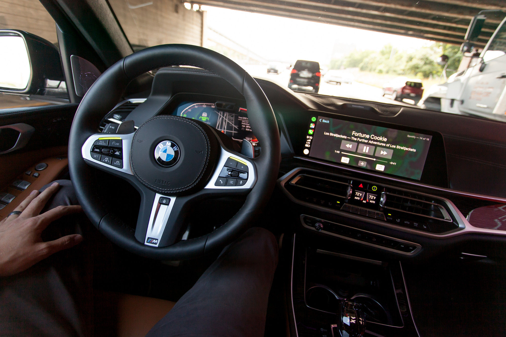 Hands Free Driving in the BMW X7 M50i