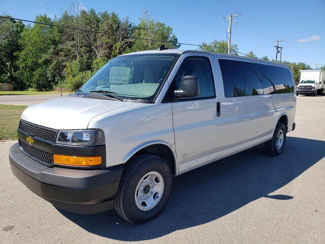 2020 Chevrolet Express 3500 Passenger Van Price Review Ratings And Pictures Carindigo Com