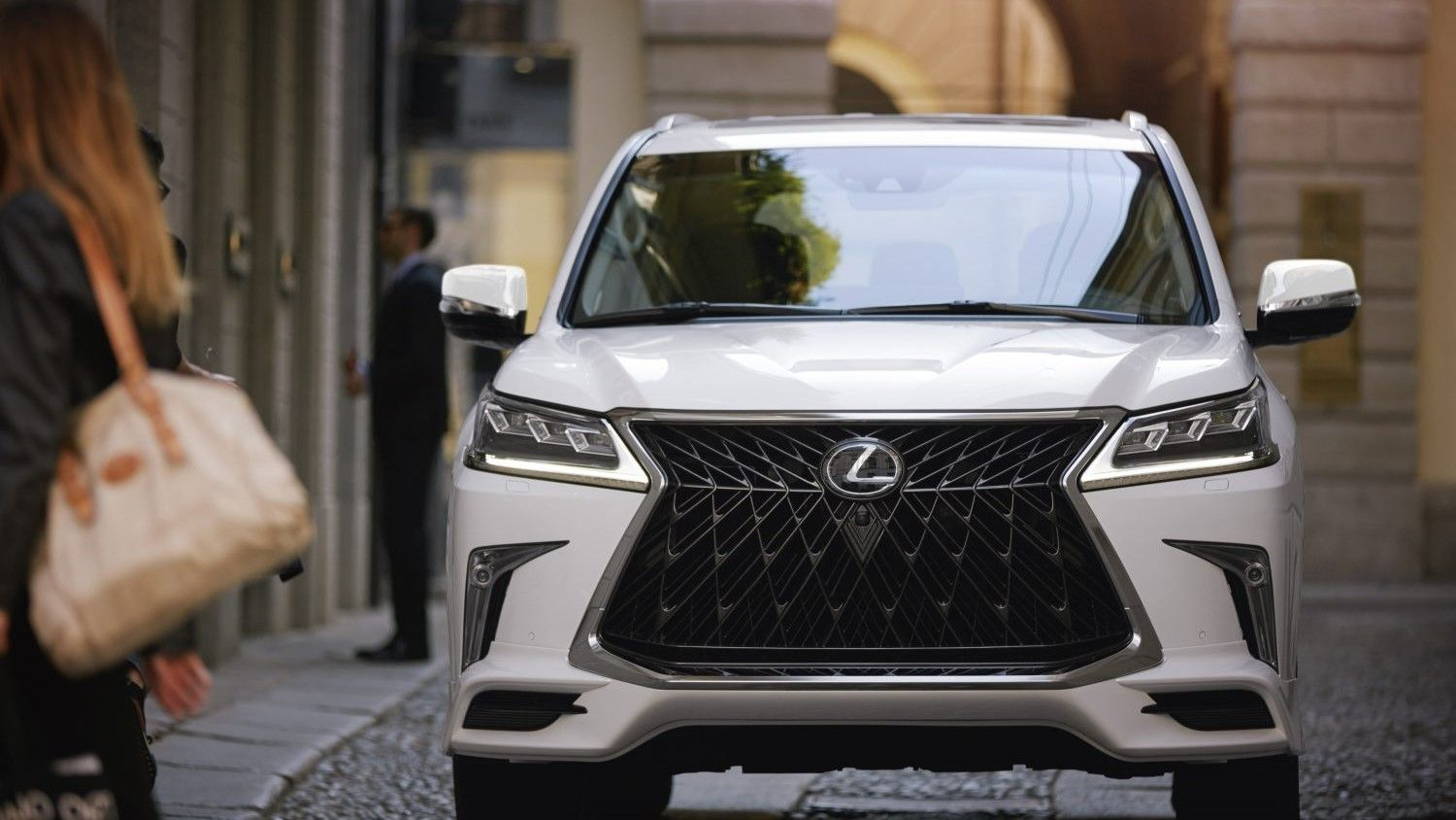2021 lexus lx 570 review trims packages towing capacity features performance and rivals 2021 lexus lx 570 review trims