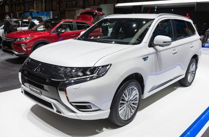 2021 Mitsubishi Outlander Review Features Prices Interiors Seating Capacity And Rivals Comparison