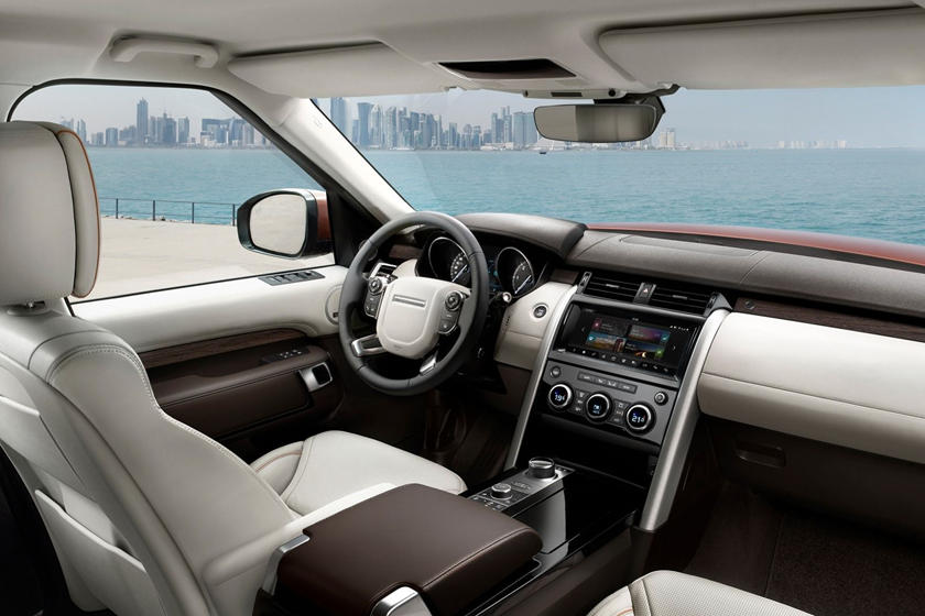 2021 Land Rover Discovery Interior Review - Seating ...