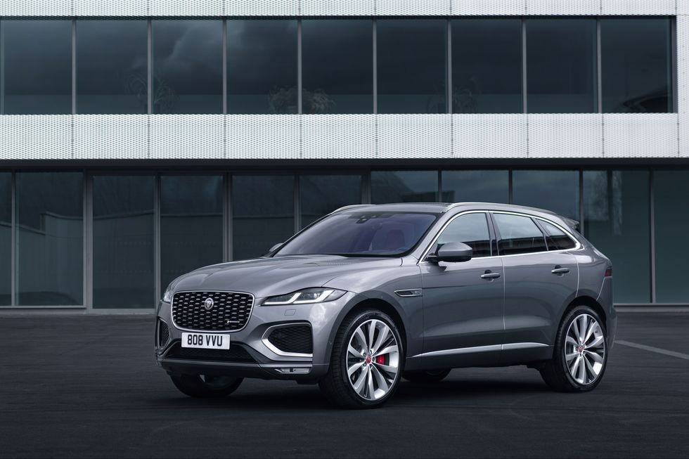2021 Jaguar F-PACE R-Dynamic SE three quarter view