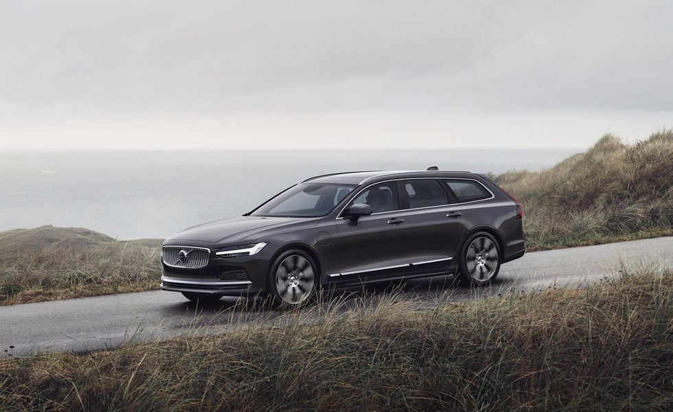 2021 volvo v90 cross country wagon reliability and recalls