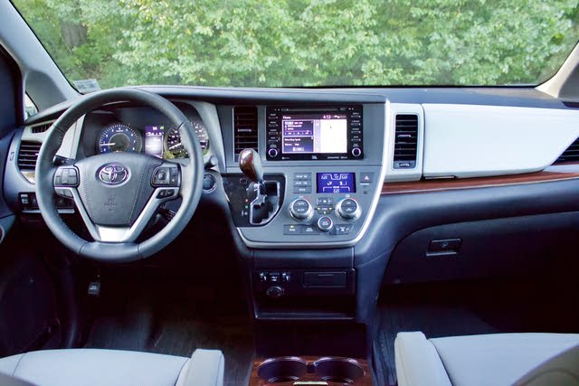 2020 toyota sienna interior review seating infotainment dashboard and features carindigo com 2020 toyota sienna interior review