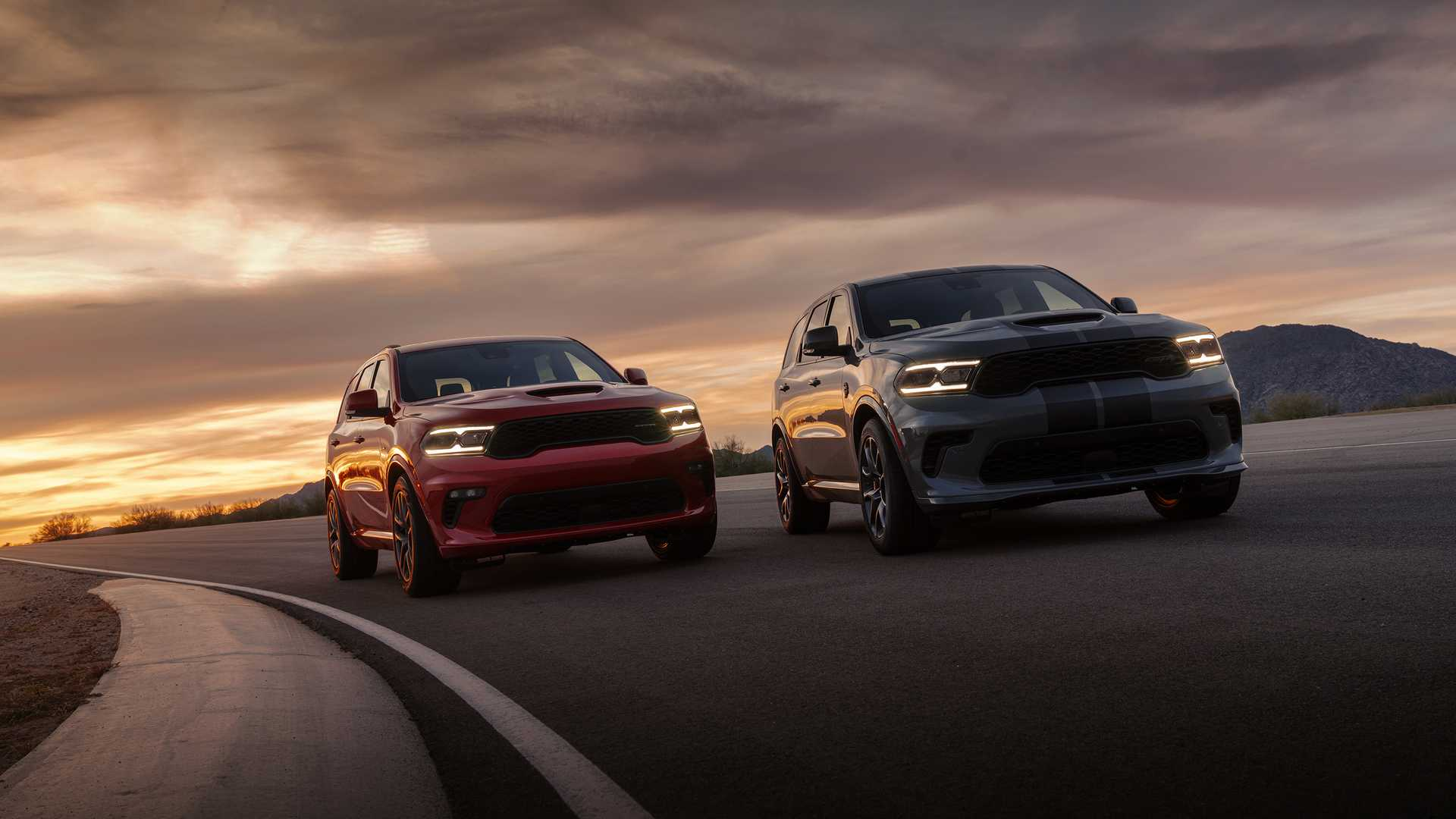 2021 Dodge Durango Srt Suv Price Review And Buying Guide Carindigo Com