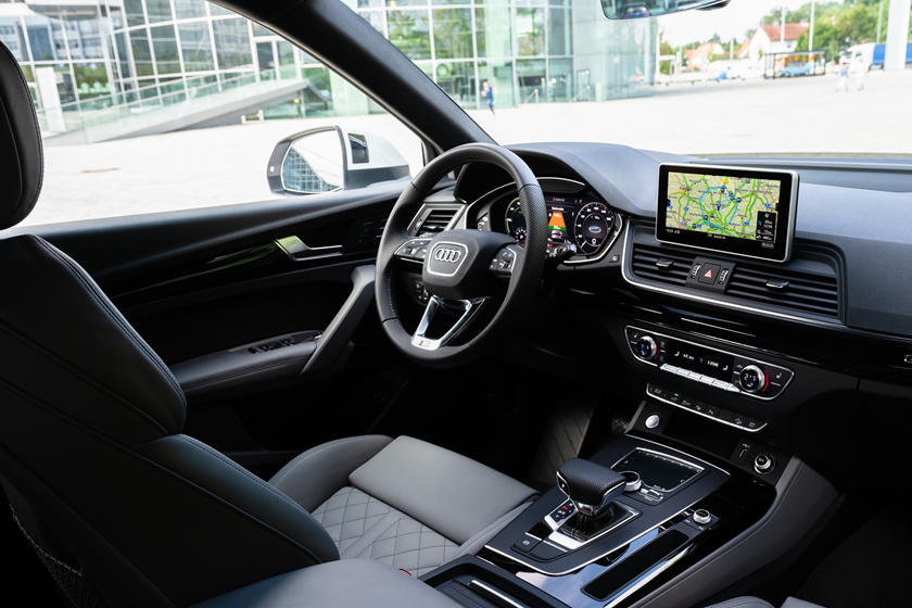 2021 Audi Q5 plug-in hybrid SUV Interior Review - Seating ...