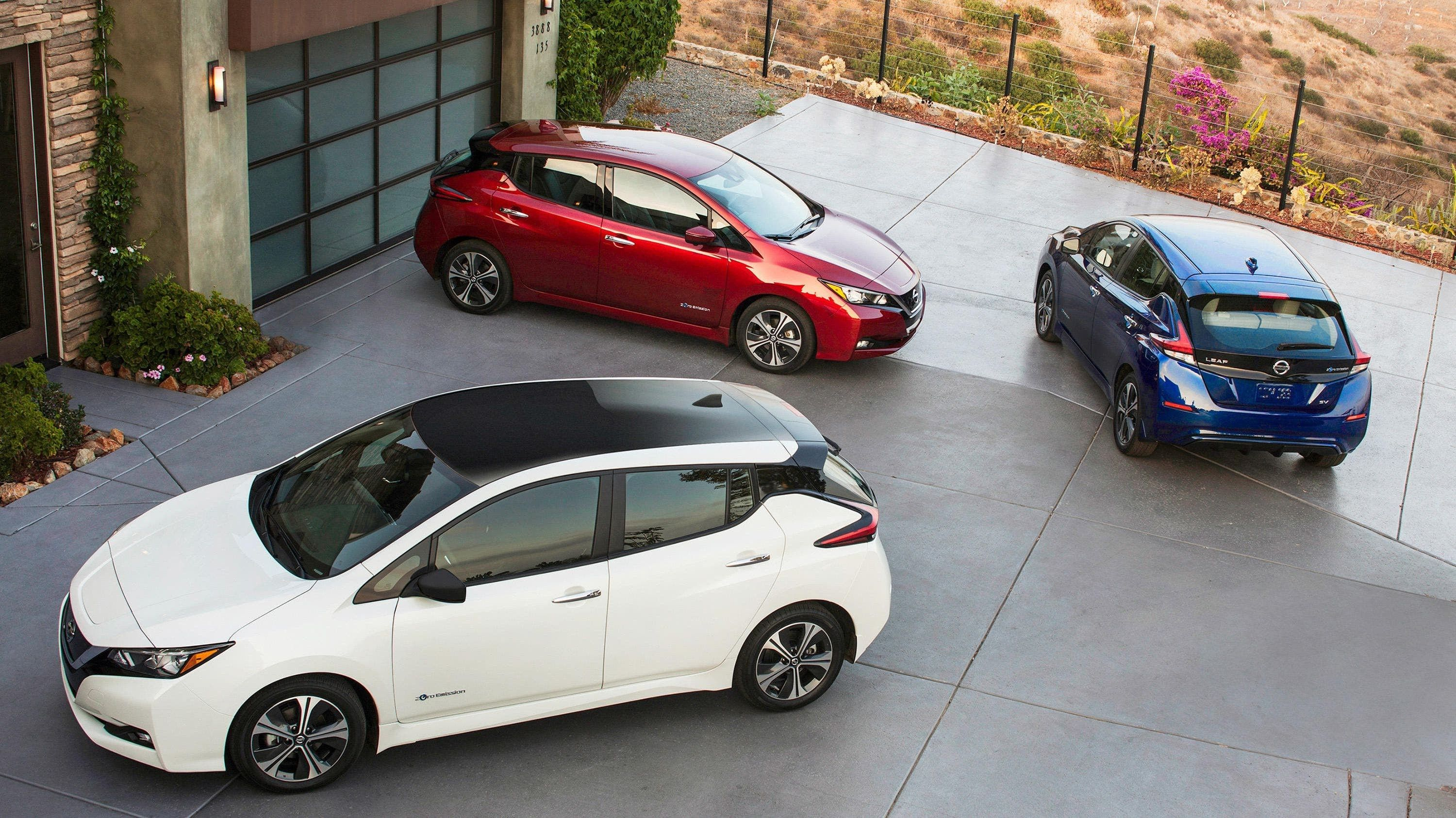 2021 Nissan Leaf Review - Trims, Prices, Range, Charging Time, Features, And Rivals