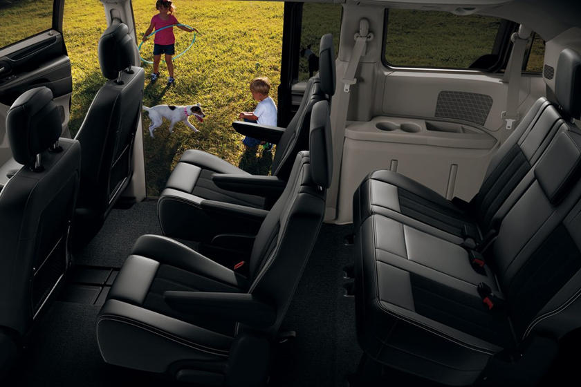 Cars With 3 Rows Of Seats >> 2020 Dodge Grand Caravan Interior Review - Seating, Infotainment, Dashboard and Features ...