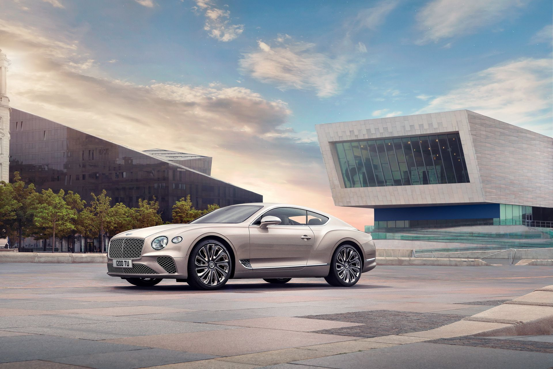 2021 Bentley Continental GT Mulliner Coupe Front View